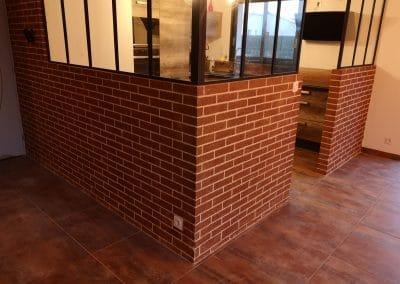 décoration briques style loft pour verrière