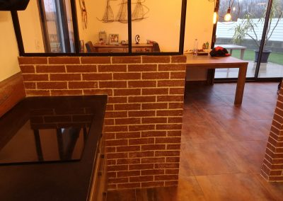 soubassemetn de verrière en enduit décoratif imitation briques