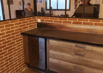 soubassement verrière en imitation briques dans cuisine
