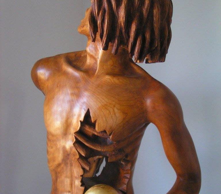 De la sculpture d'enduit à la sculpture de bois